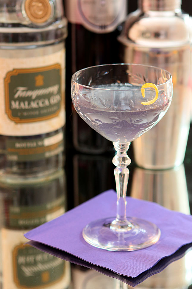 The Blue Moon Cocktail with Gin and Creme de Violette | Creative-Culinary.com