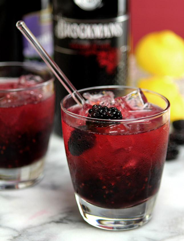 The Bramble Cocktail - Gin, Blackberries and Lemon from @creativculinary