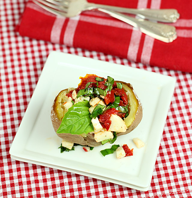 caprese-stuffed-baked-potatoes2