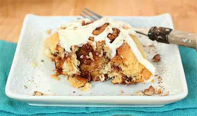 Date, Walnut and Bourbon Cinnamon Rolls with Cream Cheese ...