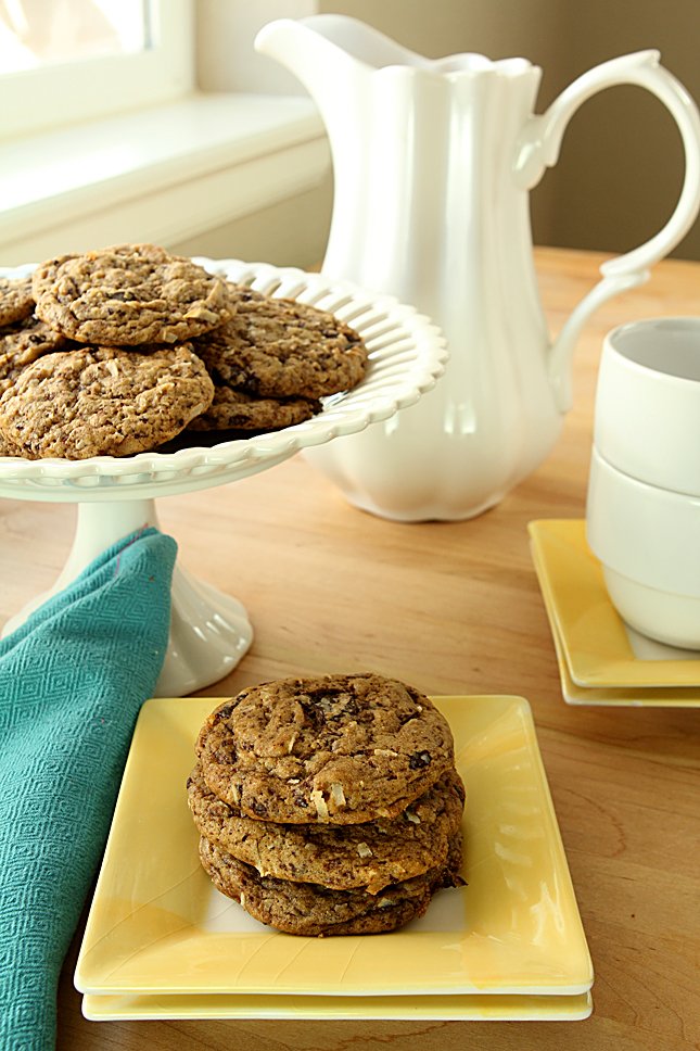 Browned Butter Espresso Chocolate Chip Cookies with Coconut | Creative-Culinary.com
