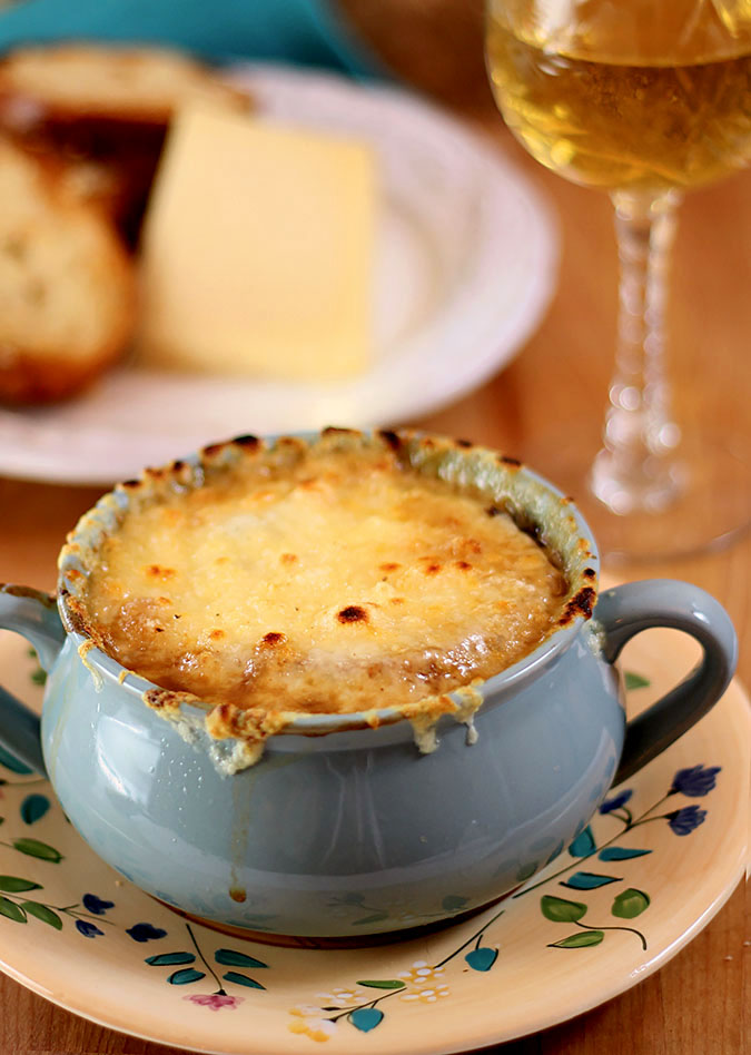 French Onion Soup - Famous & Barr