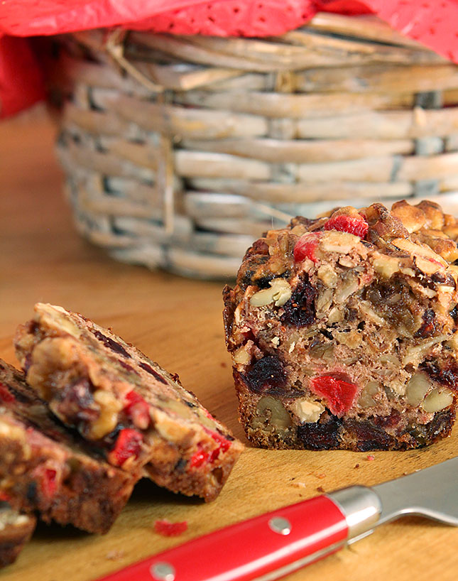 Fruitcake - Easy and Delicious