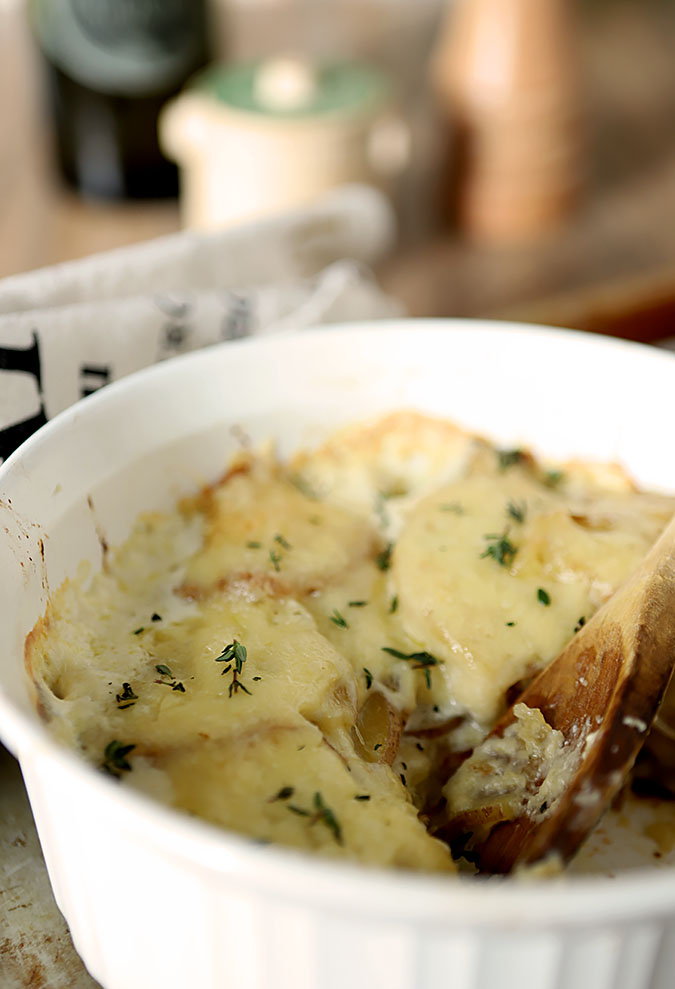 Garlic and White Cheddar Scalloped Potatoes