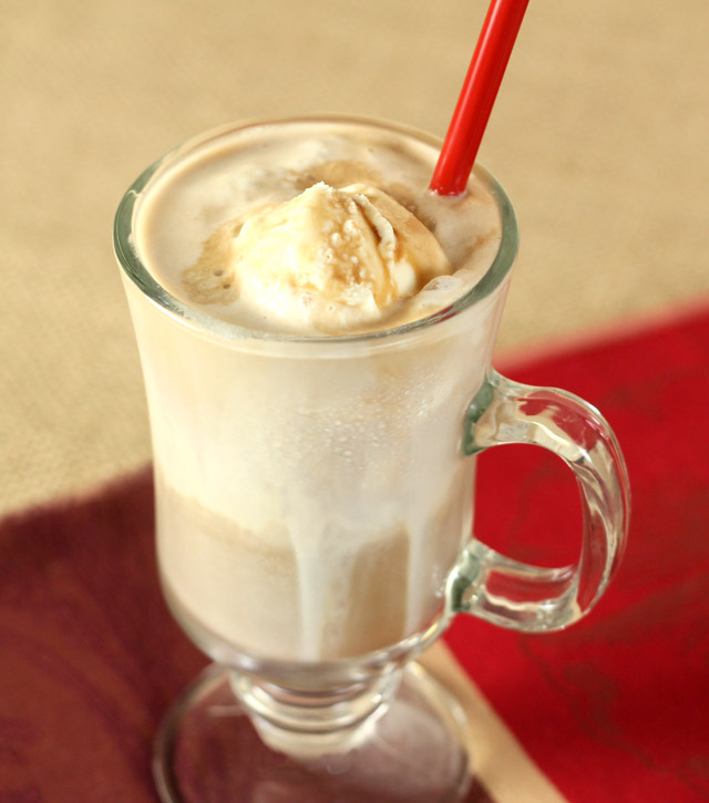 Kahlúa Iced Coffee and Vanilla Ice Cream Float | Creative Culinary ...
