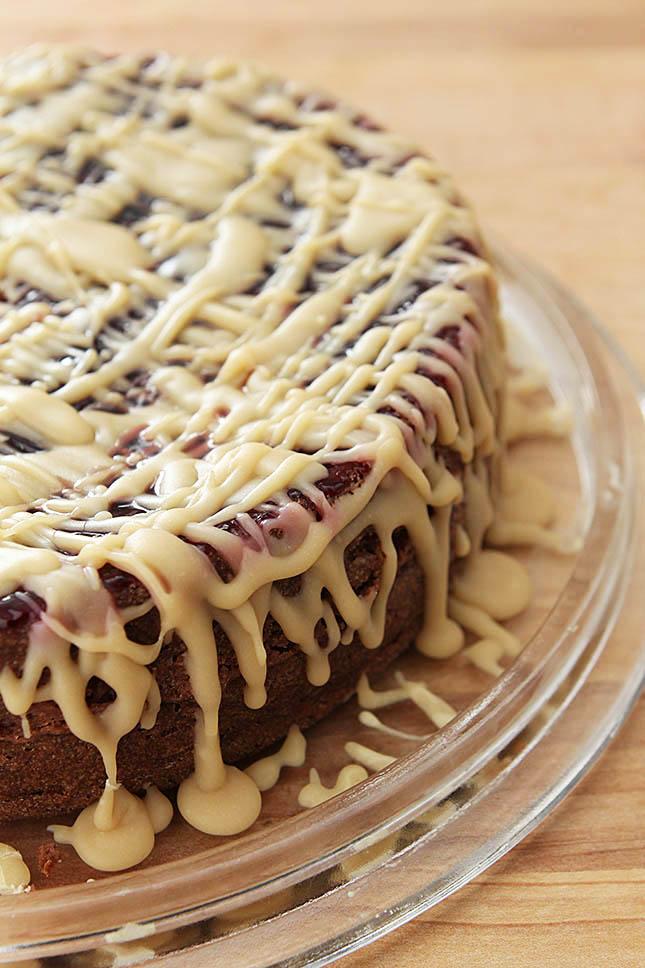 Kentucky Blackberry Jam Cake With Caramel Icing