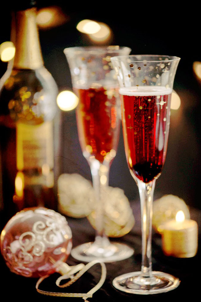 kir royale cocktail for new years eve creative culinary. Black Bedroom Furniture Sets. Home Design Ideas