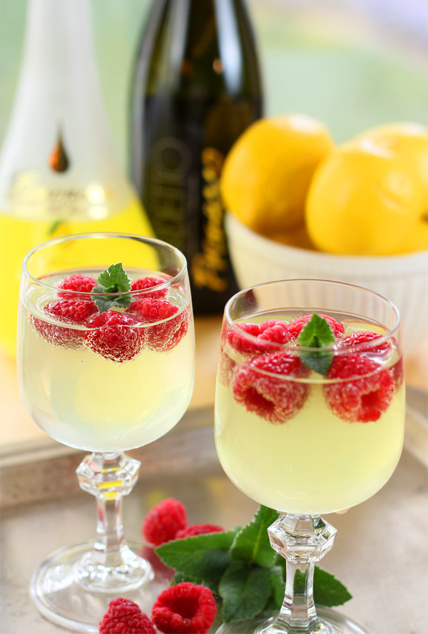 Limoncello and Prosecco Cooler with Raspberry Ice Cubes : Cocktails ...