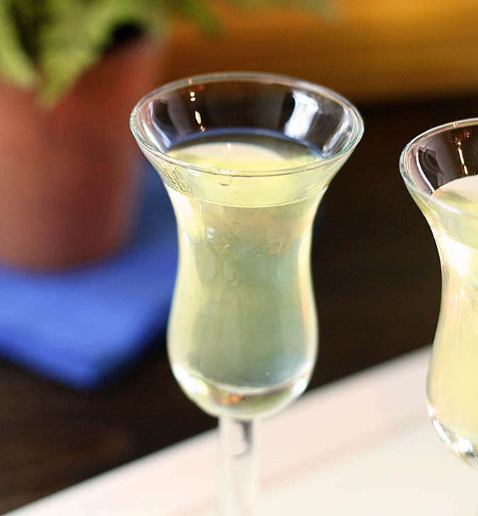 Homemade Limoncello | @creativculinary