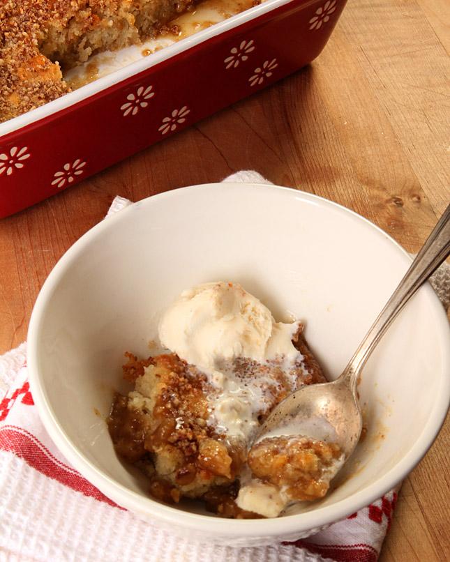 Maple Bourbon Banana Pudding Cake | Creative-Culinary.com