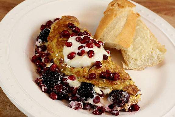 Omelet with Chobani Honey Yogurt, Pomegranate Arils and Blackberries ...