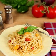 One Pot Tomato and Basil Pasta – a Favorite Summer Dish!