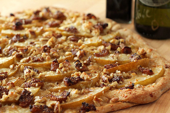 White Pizza with Walnuts, Pears and Balsamic Glazed Figs | Creative ...