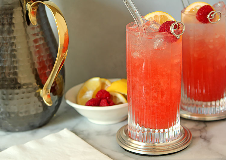 Sparkling Raspberry Bourbon Lemonade Cocktail