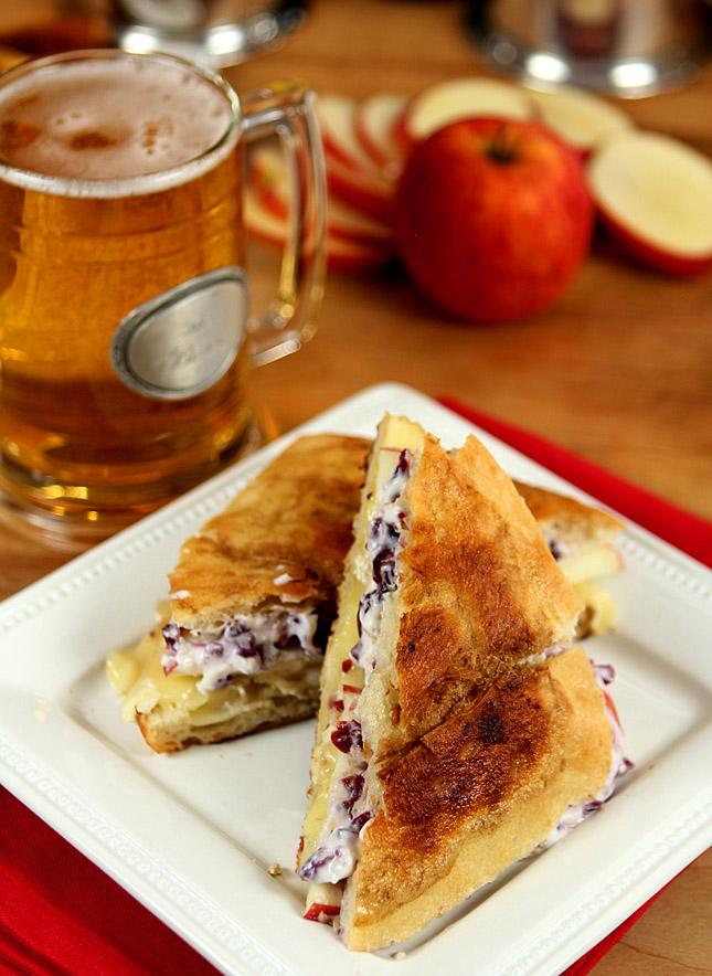 stella-cidre-apple-brie-sandwich