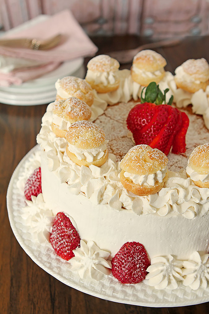 Strawberry Cream Puff (Choux) Cake