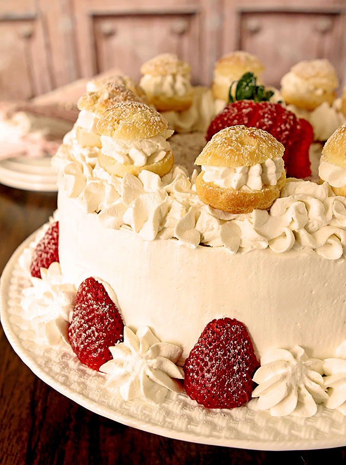 Strawberry Cream Puff (Choux) Cake